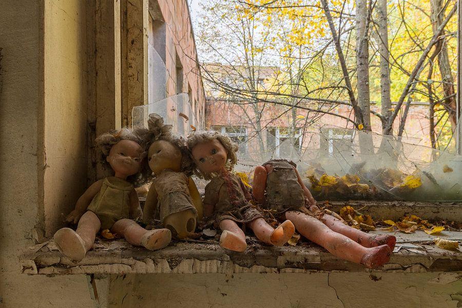 Vergeten poppen van Truus Nijland