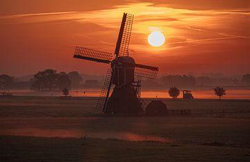 Wipmolen bij zonsopgang van van den Burg Beeldproducties