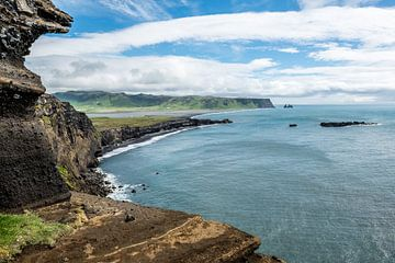 Uitzicht op Reynisdrangar IJsland von Henk Verheyen
