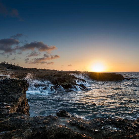Zonsondergang op Curacao van Keesnan Dogger Fotografie