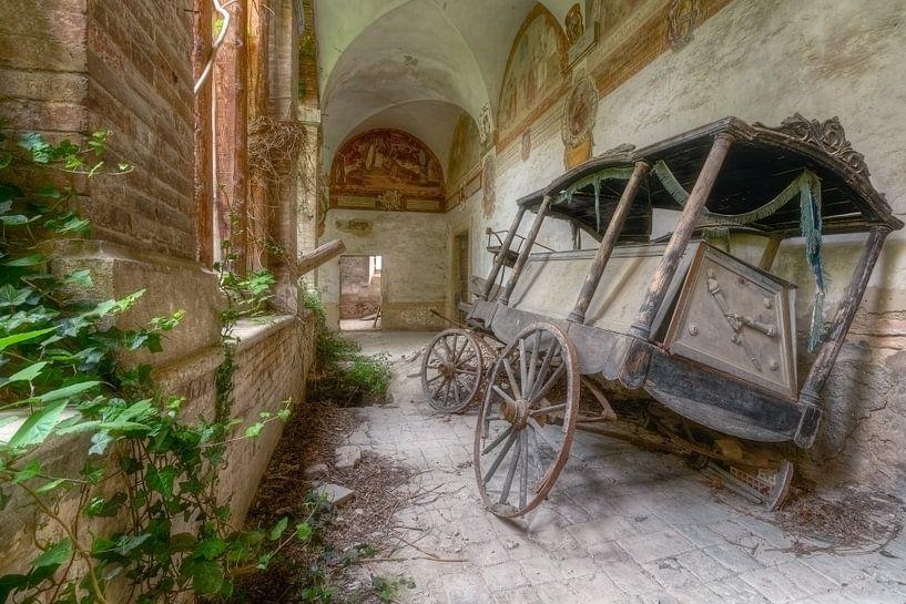 De Oude Lijkenwagen van Roman Robroek