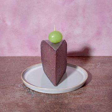 A piece of cake l Door Pop art geïnspireerd still leven met kaas l Food fotografie van Lizzy Komen