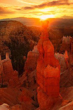 De hamer van Thor bij zonsopgang, Bryce Canyon, Utah, USA van Markus Lange