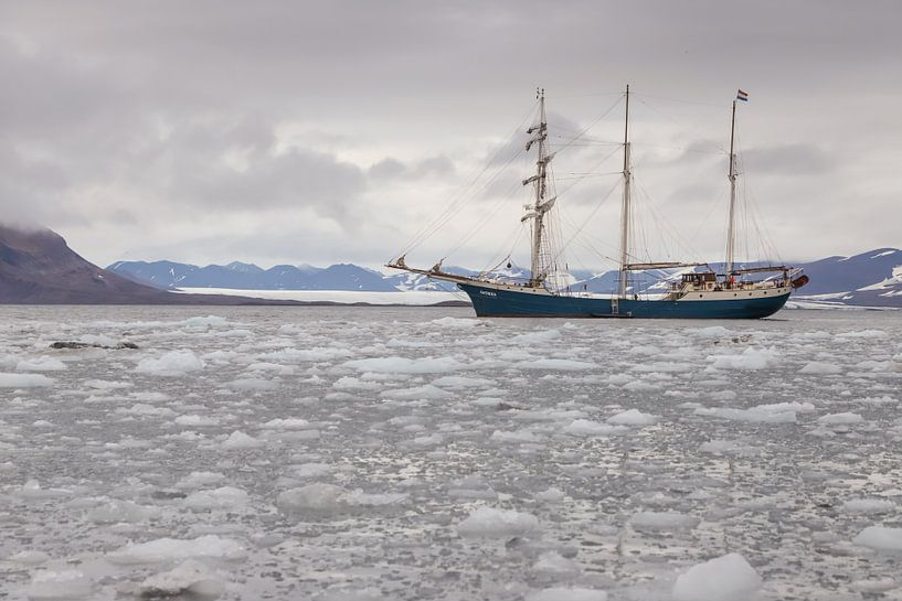 Tall Ship Barquentine Antigua van Menno Schaefer