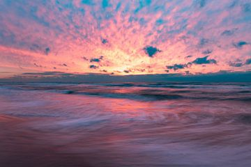 rosa Sonnenuntergang , Wijk aan Zee von Aldo Sanso