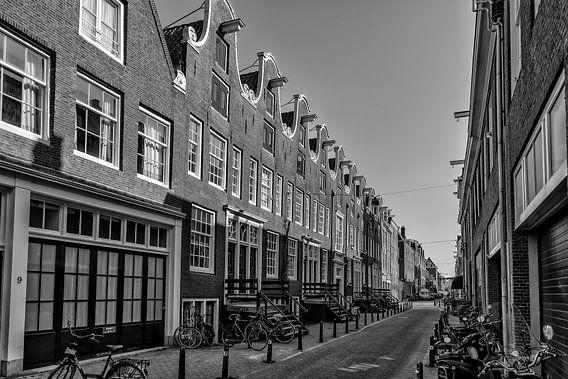 De Eerste Weteringdwarsstraat in Amsterdam. van Don Fonzarelli
