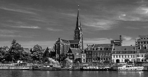 Maastricht, boten op de maas van Leo Langen