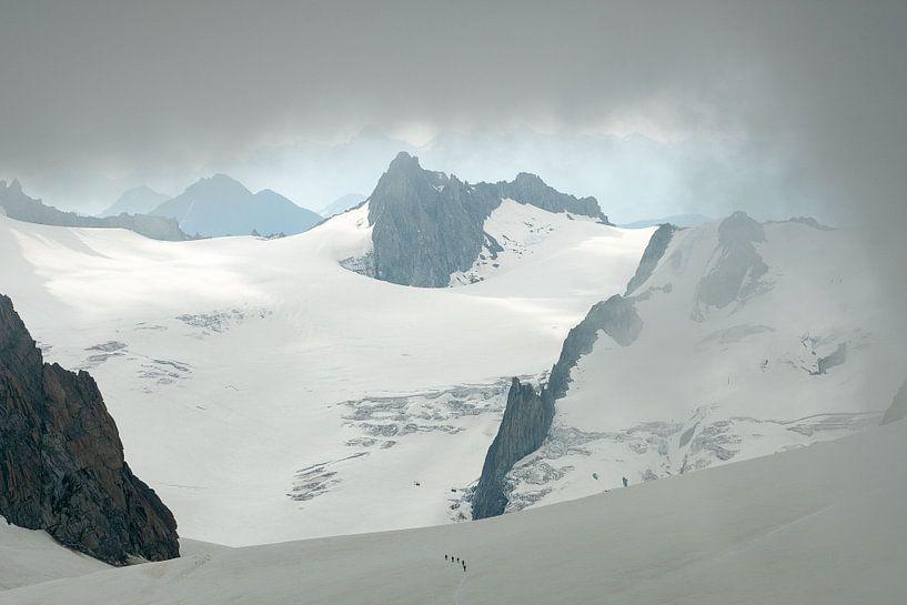Bergbeklimmers in de Vallee Blanche van John Faber