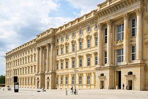 Fassade des neu errichteten Humboldt Forum in Berlin von Heiko Kueverling