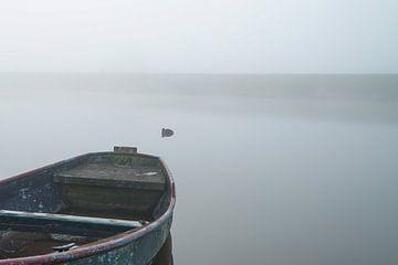 roeiboot in de mist von Karin in't Hout