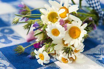 Boeket wilde bloemen van Ivonne Wierink