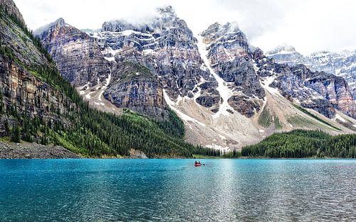 In the valley of the Ten Peaks ....... van