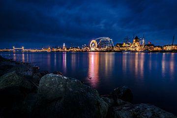 Photographie de soirée de la ville hanséatique de Kampen aan de IJssel sur Fotografiecor .nl