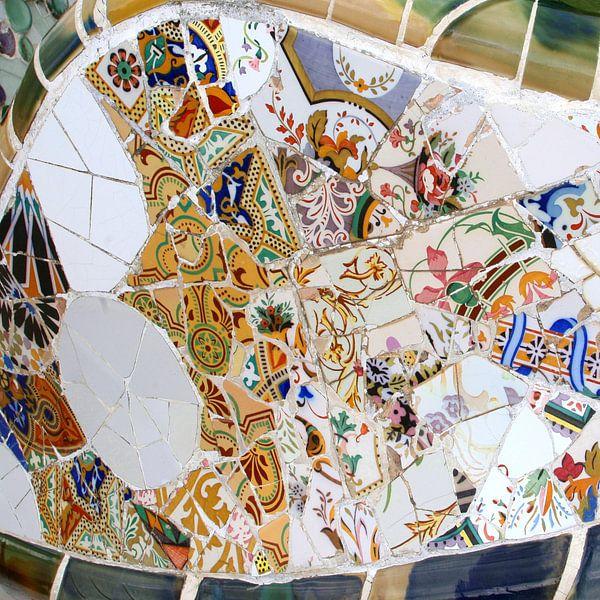 Gaudi abstracte mozaïeken, Barcelona van Inge Hogenbijl