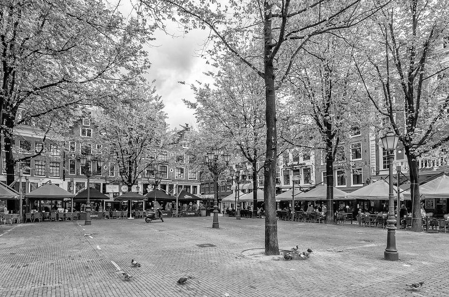 Super Leidseplein in Amsterdam (zwart wit) van Don Fonzarelli op canvas @WN39