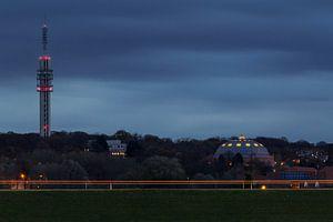 Koepelgevangenis in Arnhem tijdens het blauwe uur