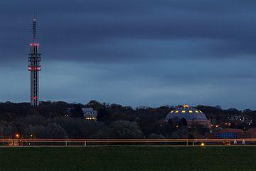 Koepelgevangenis in Arnhem tijdens het blauwe uur von Michel Vedder Photography