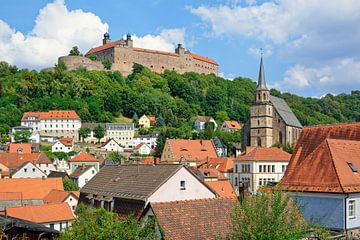 Kulmbach mit der Plassenburg von Gisela Scheffbuch