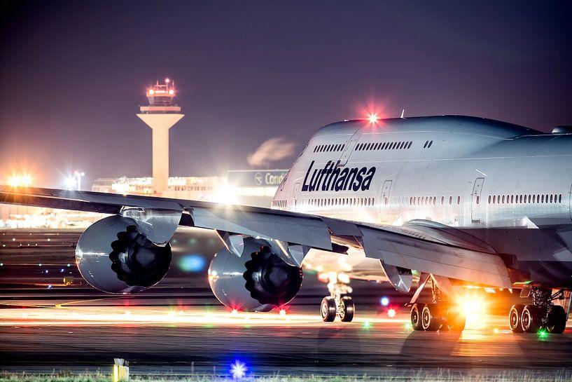 Lufthansa Boeing 747 klaar voor vertrek van Dennis Janssen