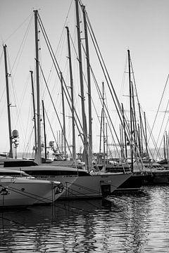 Jachthaven Palma de Mallorca op een mooie lentedag von Clazien Boot