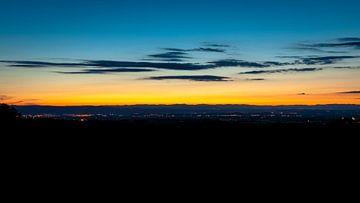 Zonsondergang boven de Franse Ardèche van Fotografiecor .nl