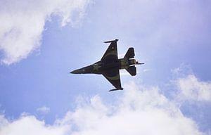 F16 im Überflug