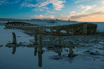 lever du soleil sur la mer des Wadden aux Pays-Bas sur