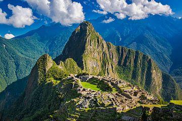 Uitzicht op de verborgen stad, Machu Picchu, Peru van Rietje Bulthuis