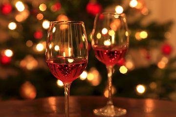Verres à vin avec du vin rosé sur Thomas Jäger