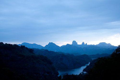 Bergen uit Guangdong bij nacht