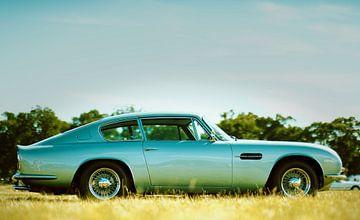Aston Martin DB6 Vantage coupé van Natasja Tollenaar