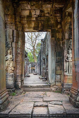 Doorkijkje in de tempel, Cambodja