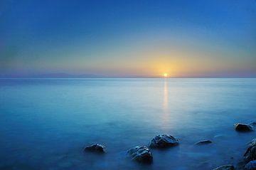 Zonsopkomst Egeische zee Samos Griekenland van John Leeninga