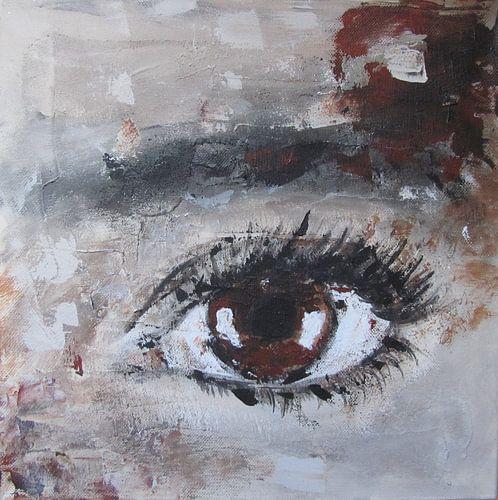 Brown eye van