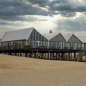 Strandpaviljoen op Texel van Jose Lok