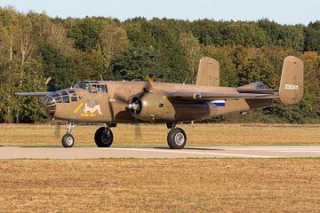 B-25 Mitchell-Bomber macht sich zum Abflug bereit von Jimmy van Drunen