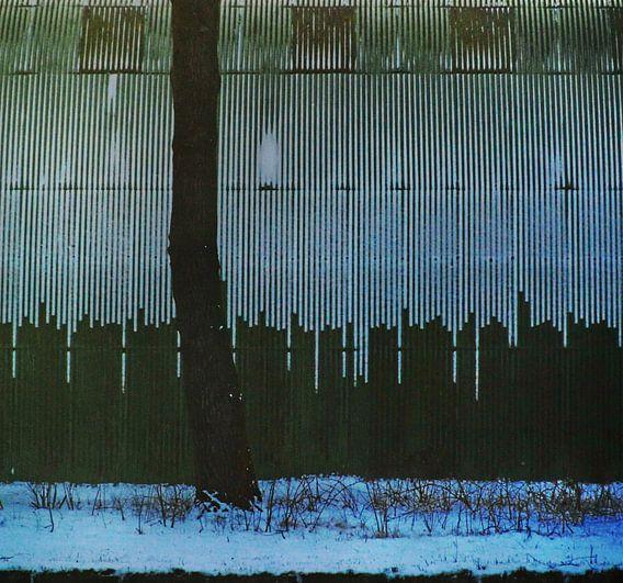 Abstract urban sneeuw loods van Annemie Hiele
