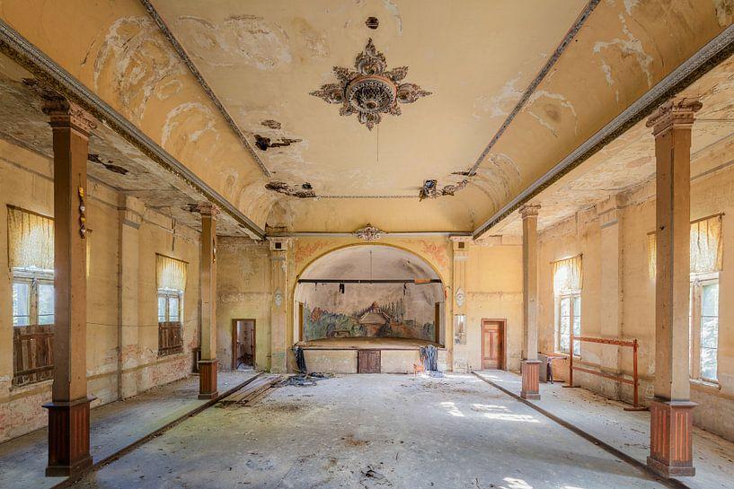 verlassener Ballsaal von Kristof Ven