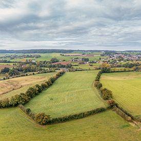 Panorama aérien de Camerig dans le sud du Limbourg sur John Kreukniet