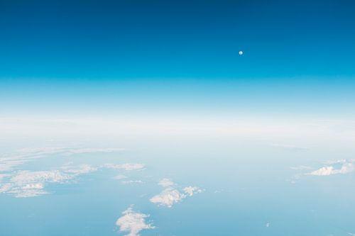 Blauwe hemel van
