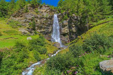 Fellbach-Wasserfall bei Saas-Balen von Maarten Salverda