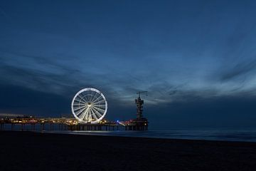 Schevenings reuzerad by night van Geert van Kuyck