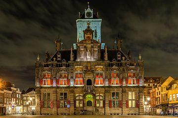 Delft bij avondlicht van Peter Voogd
