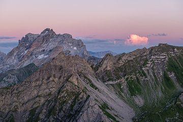 Pinker Himmel im Vorarlberg von Denis Feiner