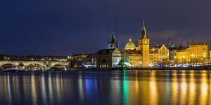 De oude stad van Praag en de Karelsbrug in de avond, Tsjechië  - 1