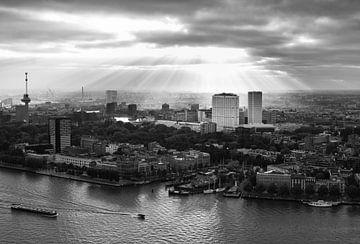Rotterdamer Panorama - Schwarz-Weiß-Fotografie von Marja Suur