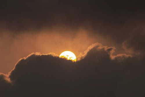 Zon achter wolk | Indiaas licht | Reisfotografie