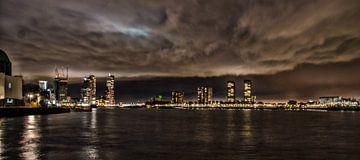 Dark Night Sky in Rotterdam van Erik Bravenboer