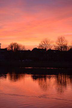 Sunset Water Mirror von Art Kleisen
