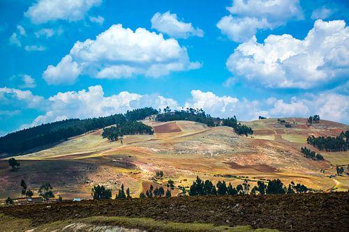 Laat zonlicht op de heuvels van de Heilige Vallei, Peru